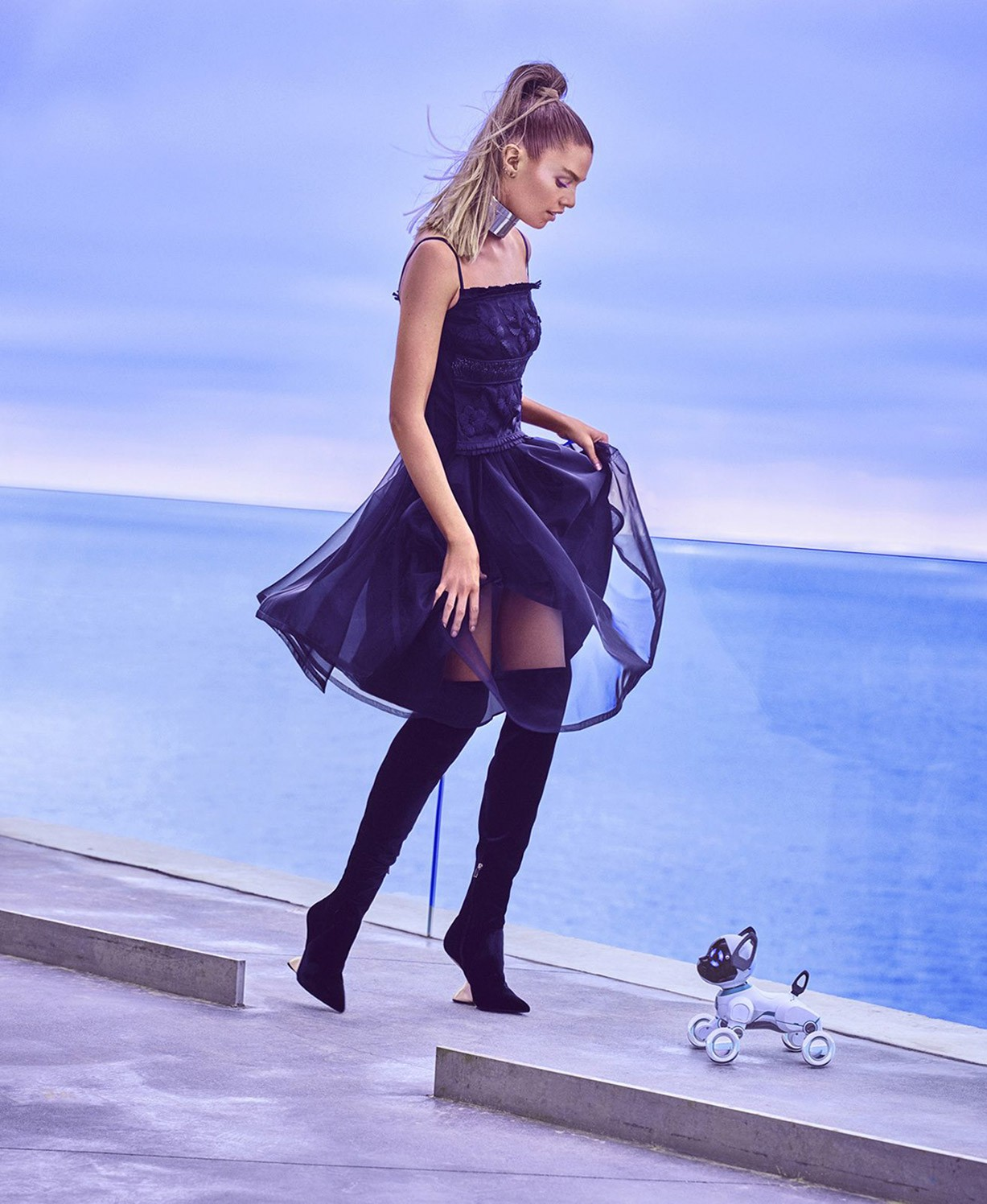Мир будущего со Стеллой Максвелл / Stella Maxwell by Mariano Vivanco - US Harper's Bazaar November 2017