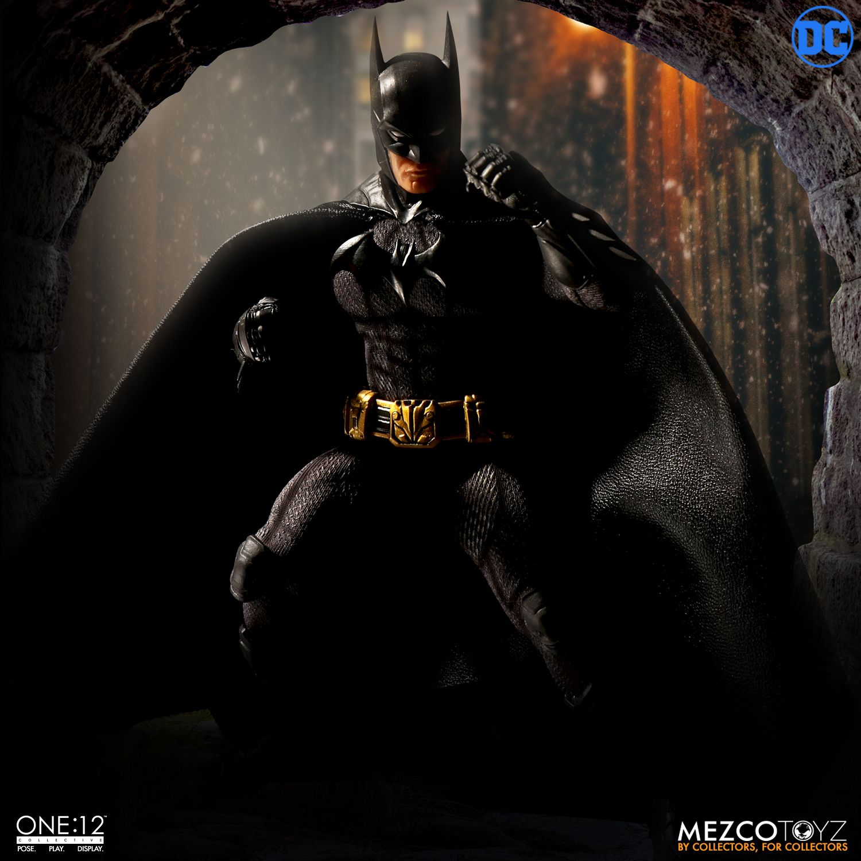 "Sovereign Knight Batman - One 12"" (Mezco Toys) SW2uQYnG_o"