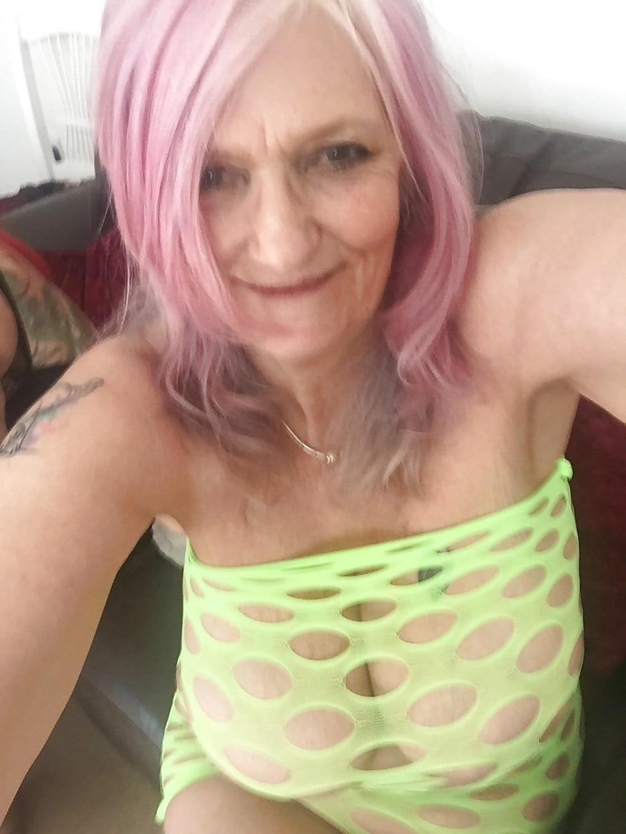 Sexy boobs feeding-9736