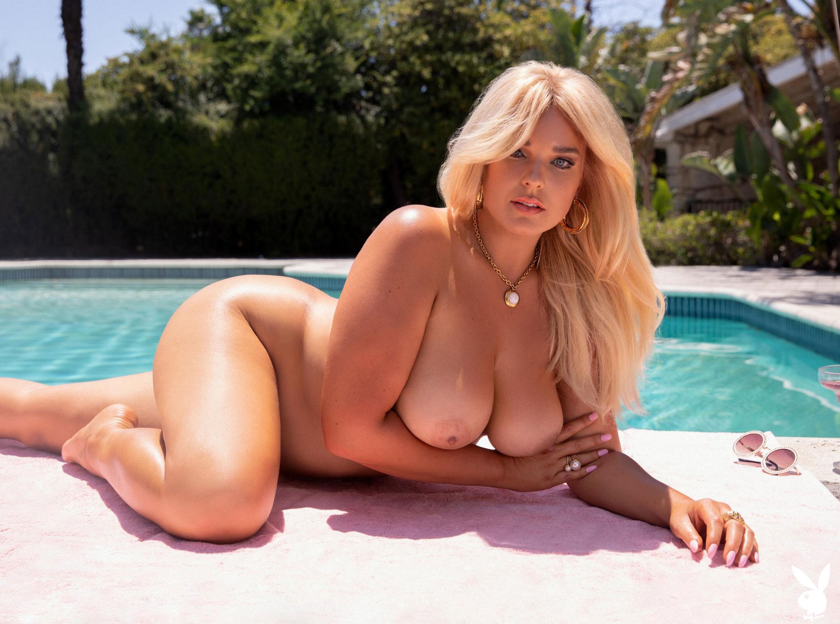 Девушка месяца Ali Chanel - Playboy США / фото 13
