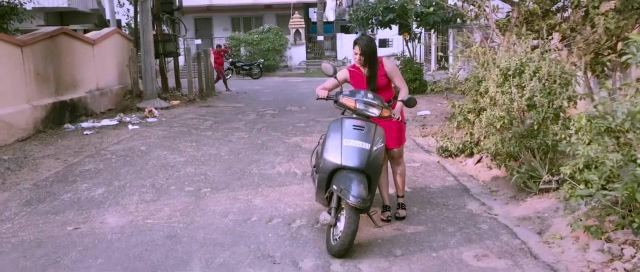 Beach Road Chetan (2019) Telugu 720p HDRip x264 DD5 1 ESub-BWT
