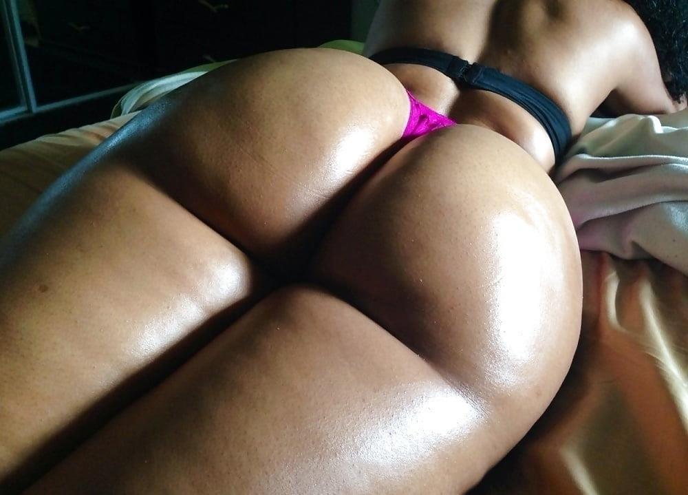 Perfect ebony booty-1410