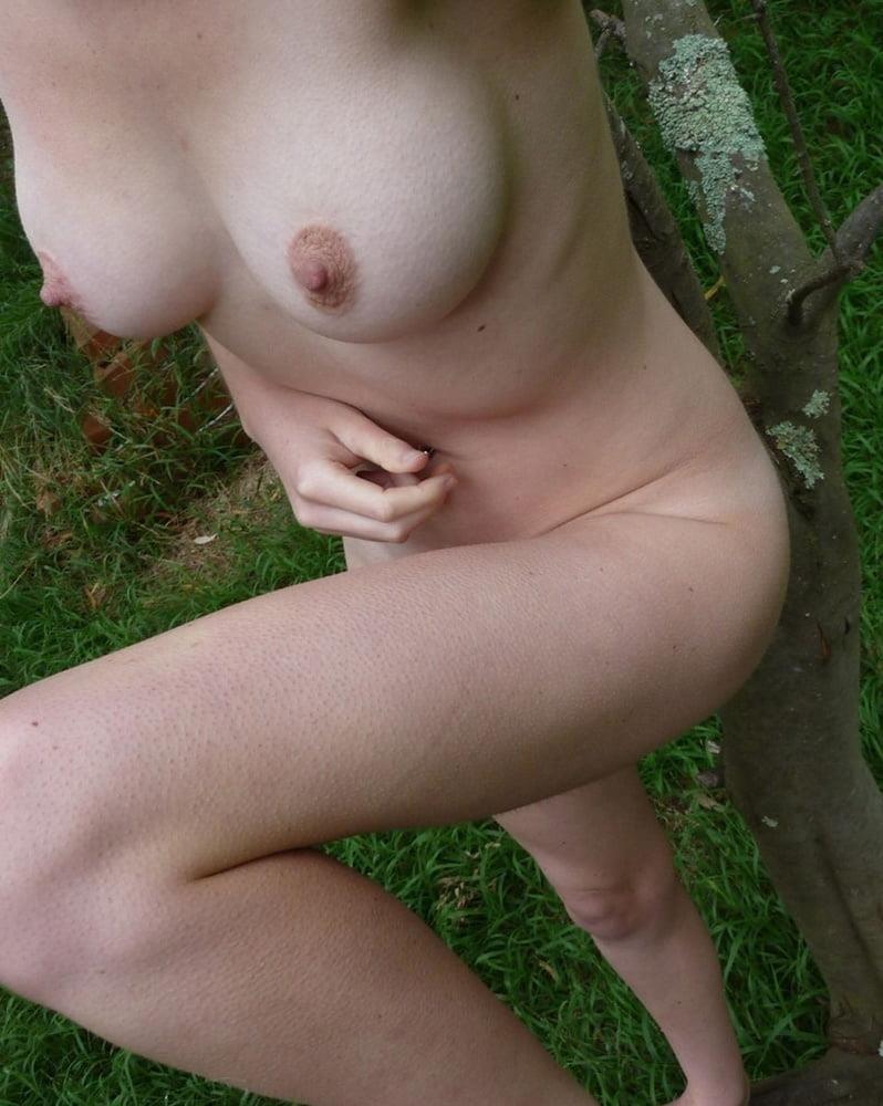 Naked girl taking selfie-4040