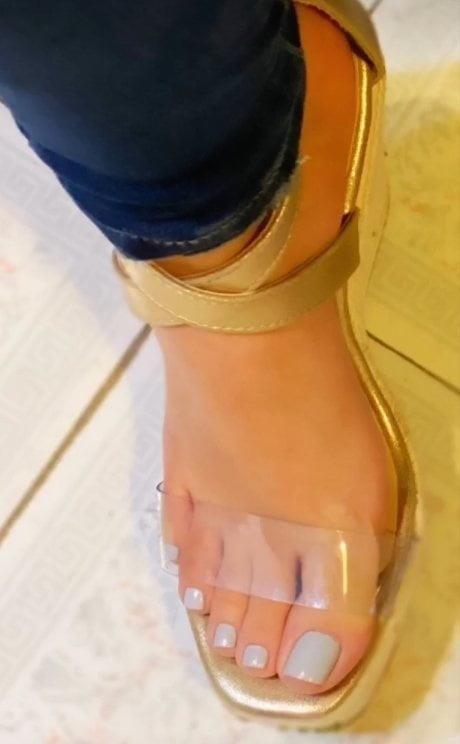 Brianna foot fetish-3841