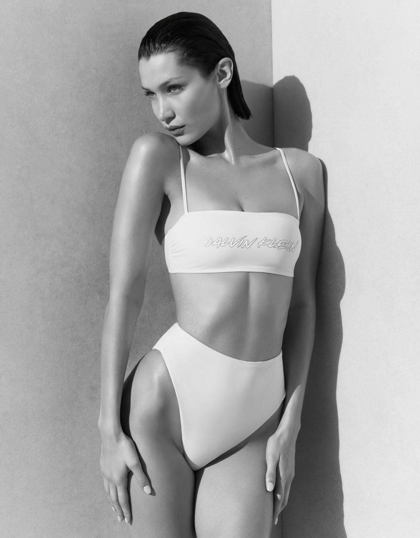 Белла Хадид в рекламной кампании купальников Calvin Klein, 2020 год / фото 03