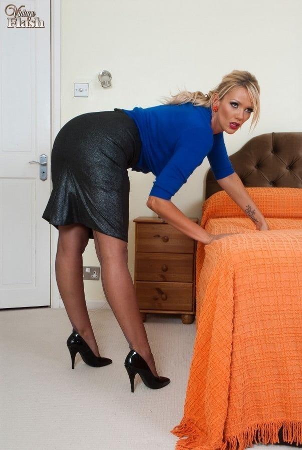 Genuine leather pencil skirt-6131