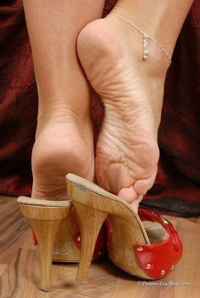 Sexy women feet porn-7150