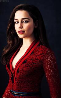 Emilia Clarke 1g1VczyW_o