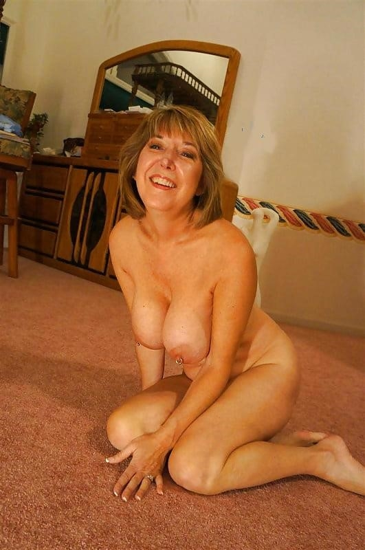 Gorgeous milf with big tits-3159