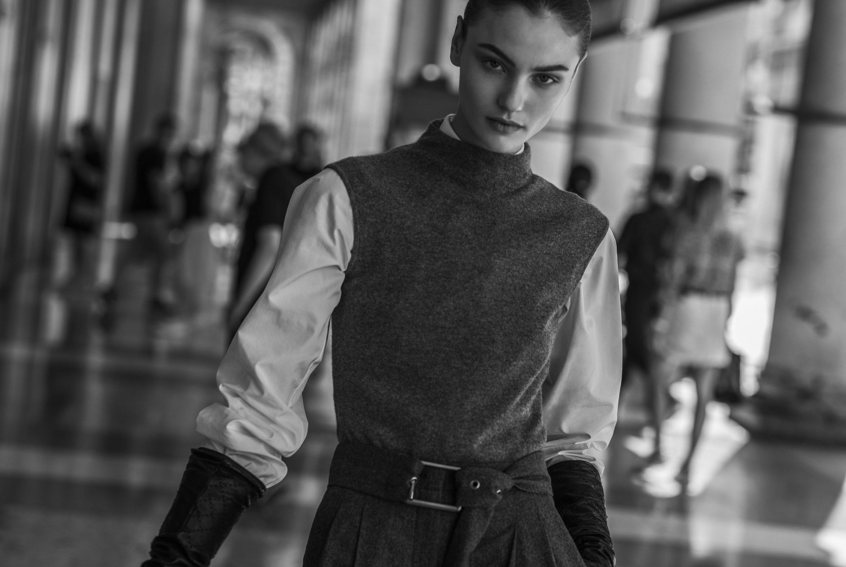 Паула Чиолтян на улицах Милана / фото 14