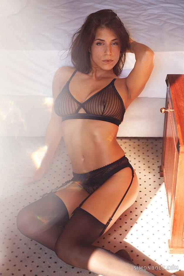 Сильвия Лорем в сексуальном черном нижнем белье / фото 12