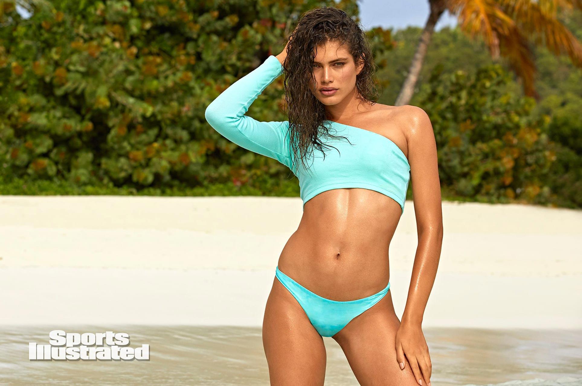 Валентина Сампайо в каталоге купальников Sports Illustrated Swimsuit 2020 / фото 14