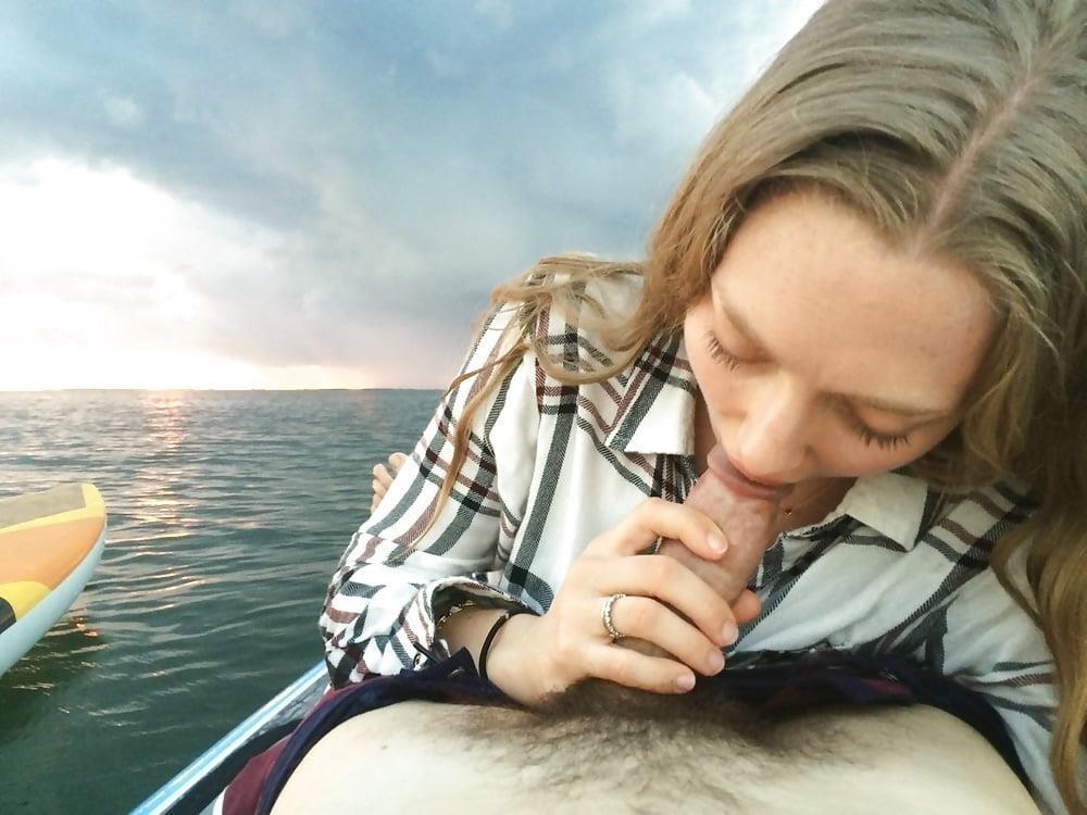 Amanda seyfried blowjob pic-9116