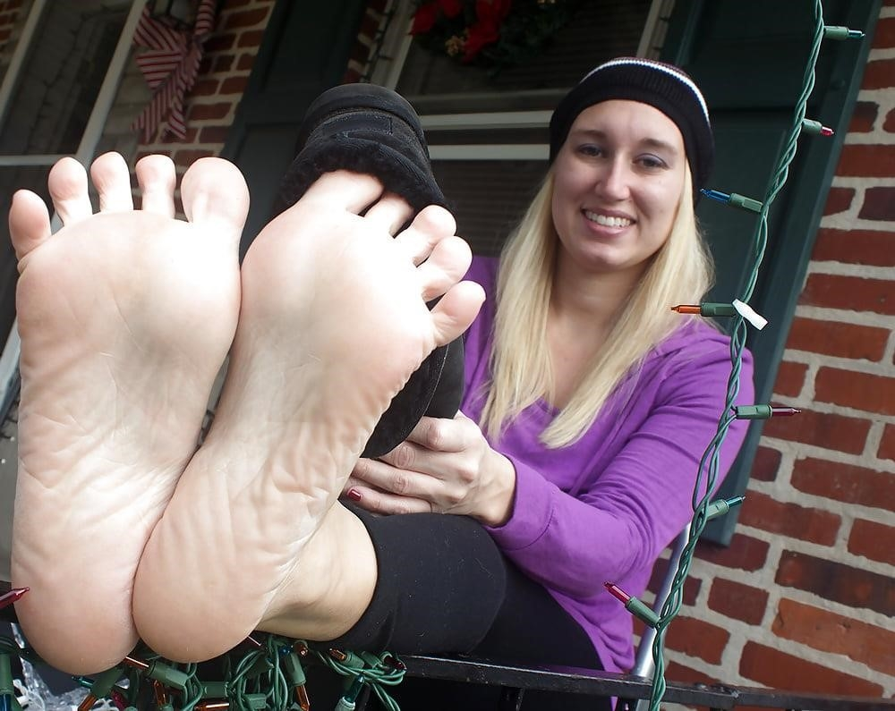 Young foot porn-6585