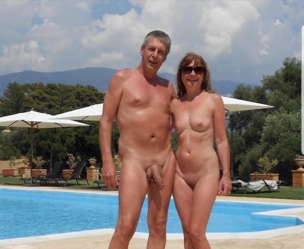 Mature couples copulating-3140