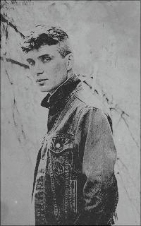 Ezra Riain