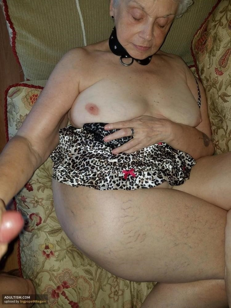 Pics naked grannies-1382