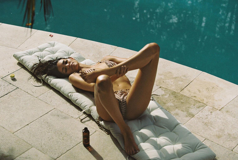 Софья Рейнал в купальниках и нижнем белье Love Stories Intimates, лето 2020 / фото 13