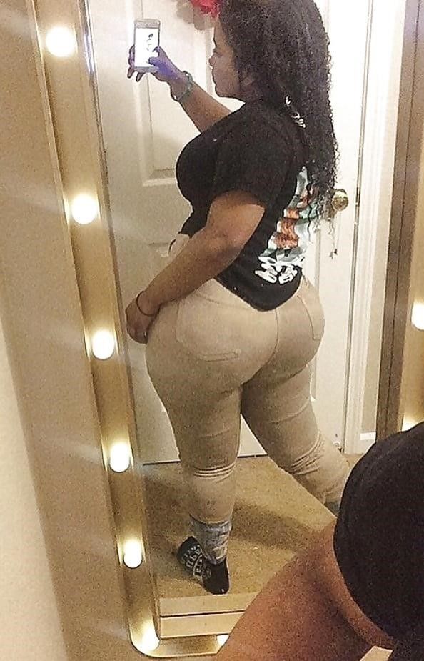 Thick black booty solo-8923