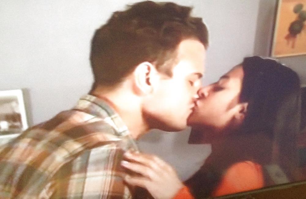 Black lesbians kissing pics-7816