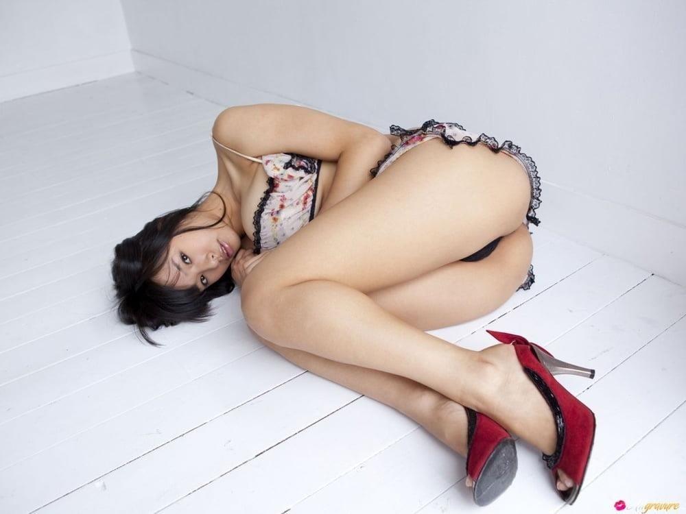 Small tits porn gif-3299