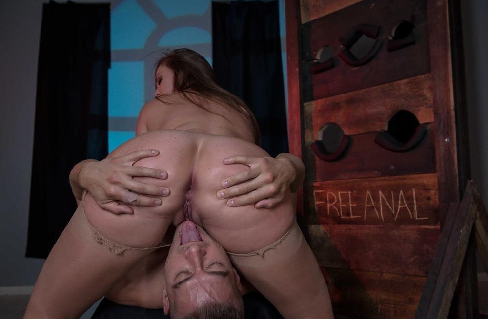 Free hot mom anal-4226