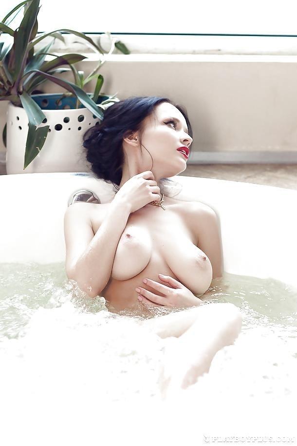 Nude romantic scenes-6914