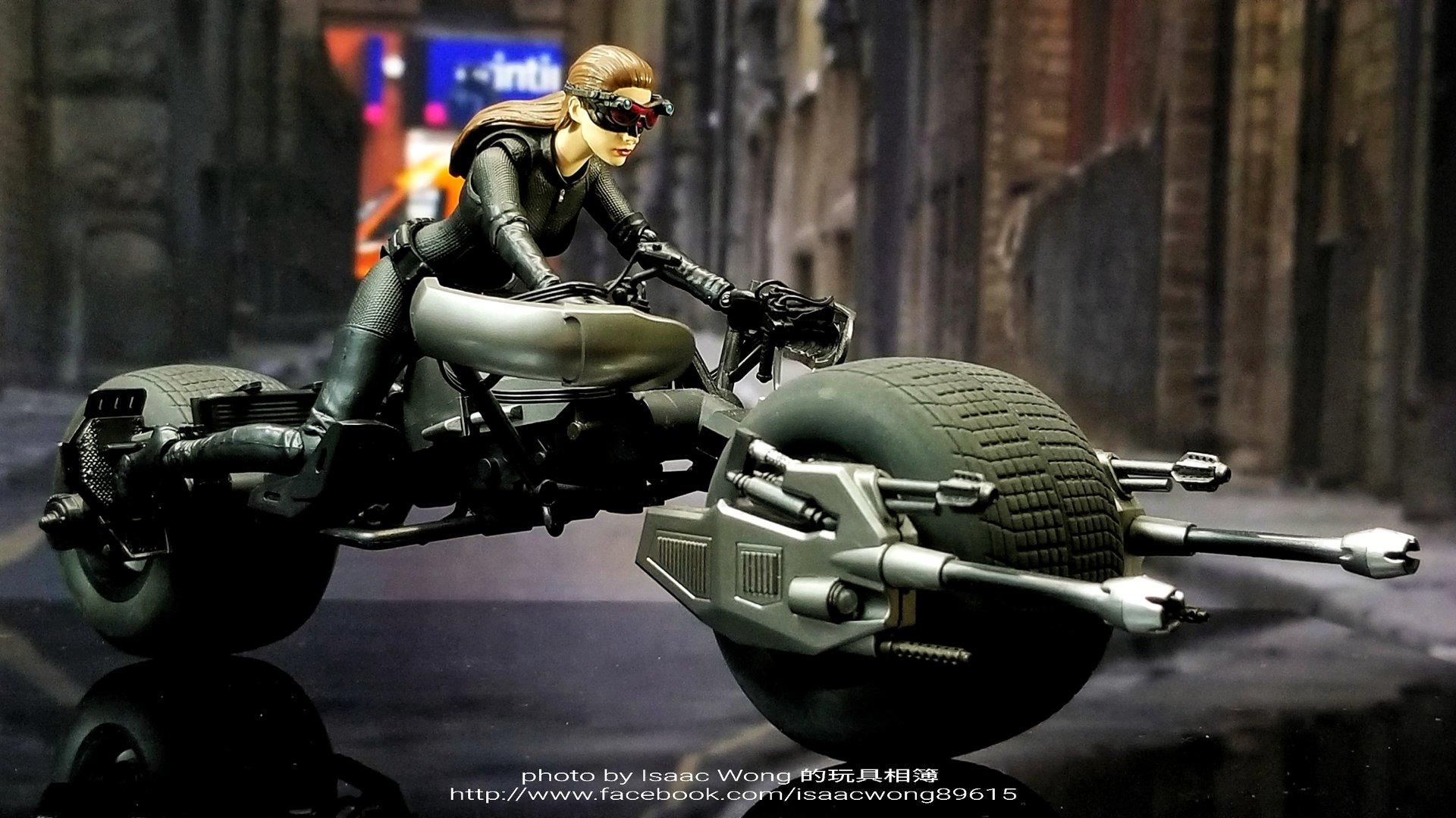Catwoman - Batman The Dark Knigh rises - SH Figuarts (Bandai) FUuzJwqO_o