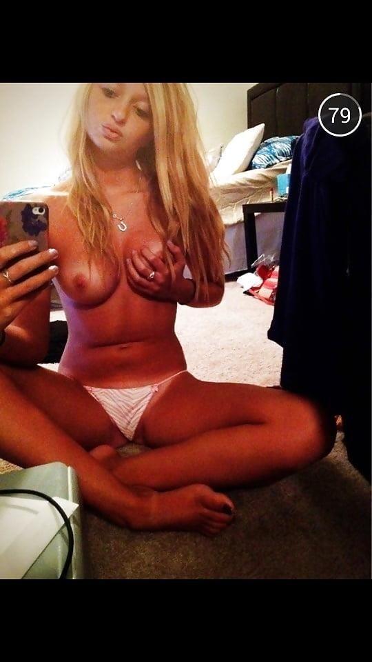 Teen topless selfie-5588