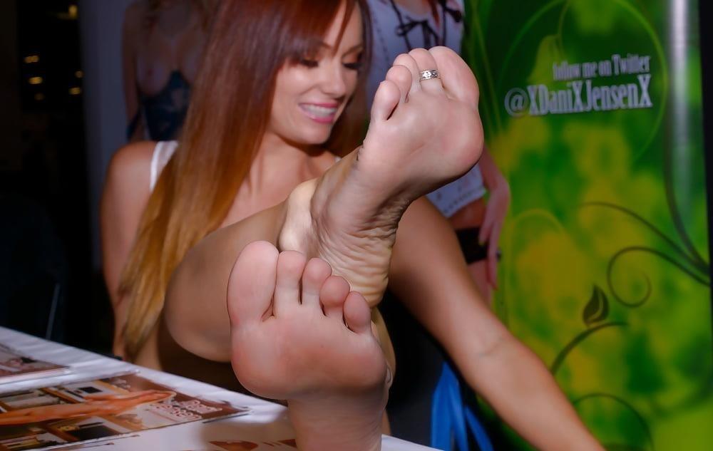 Dani jensen lesbian feet-3609