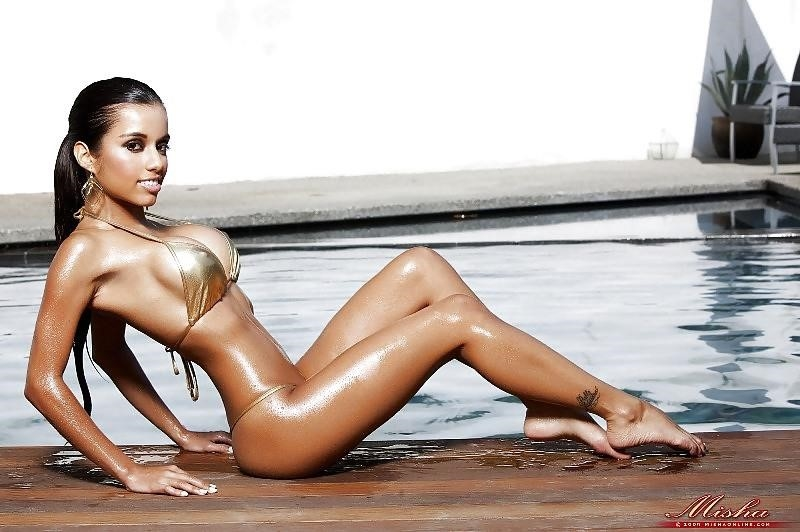 Lupe fuentes feet-6471
