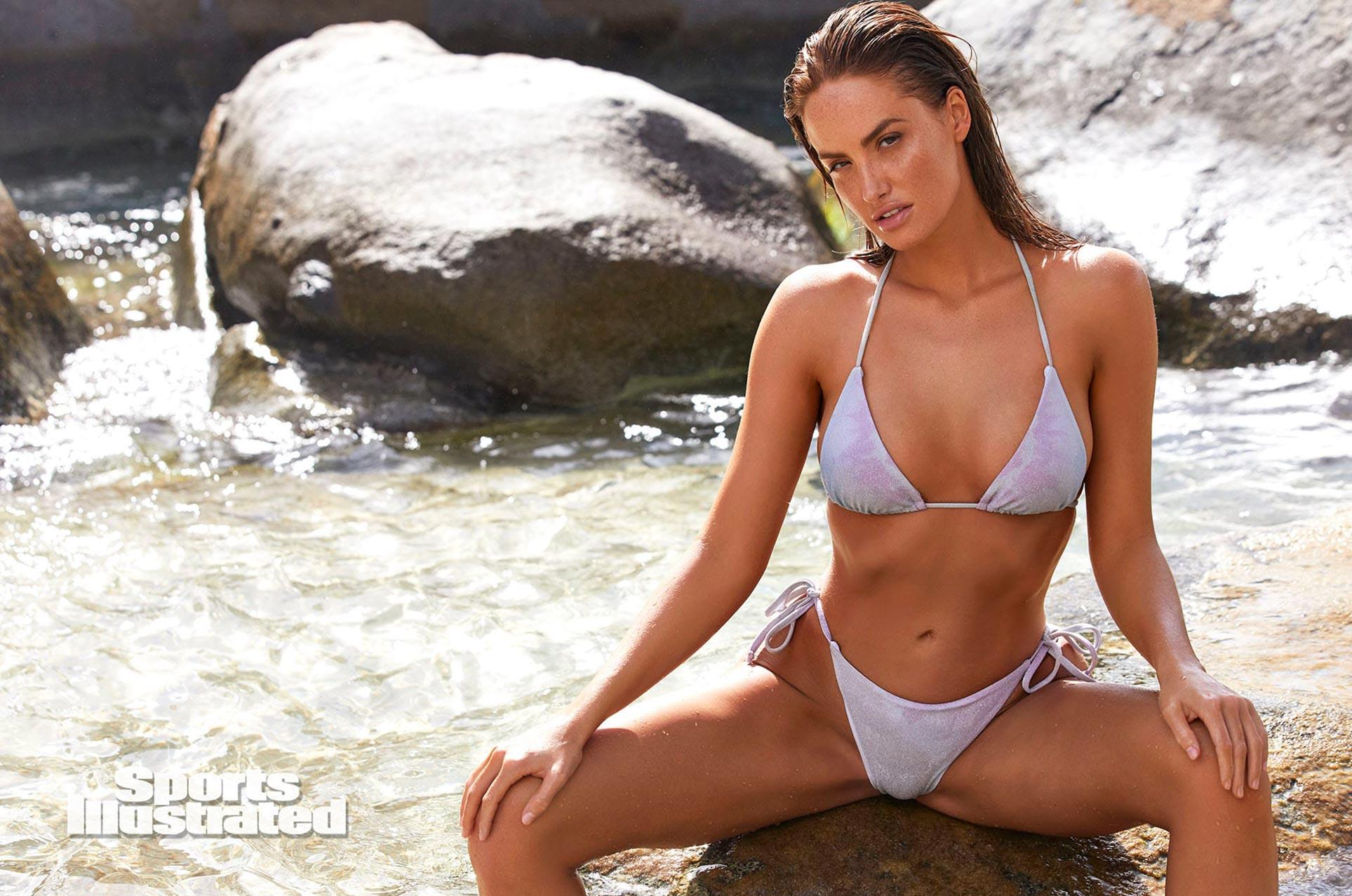 Хейли Калил в каталоге купальников Sports Illustrated Swimsuit 2020 / фото 27
