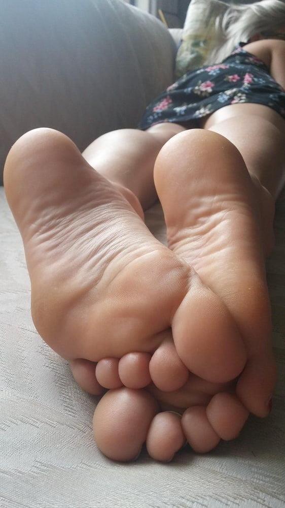 Beautiful feet babes-9982
