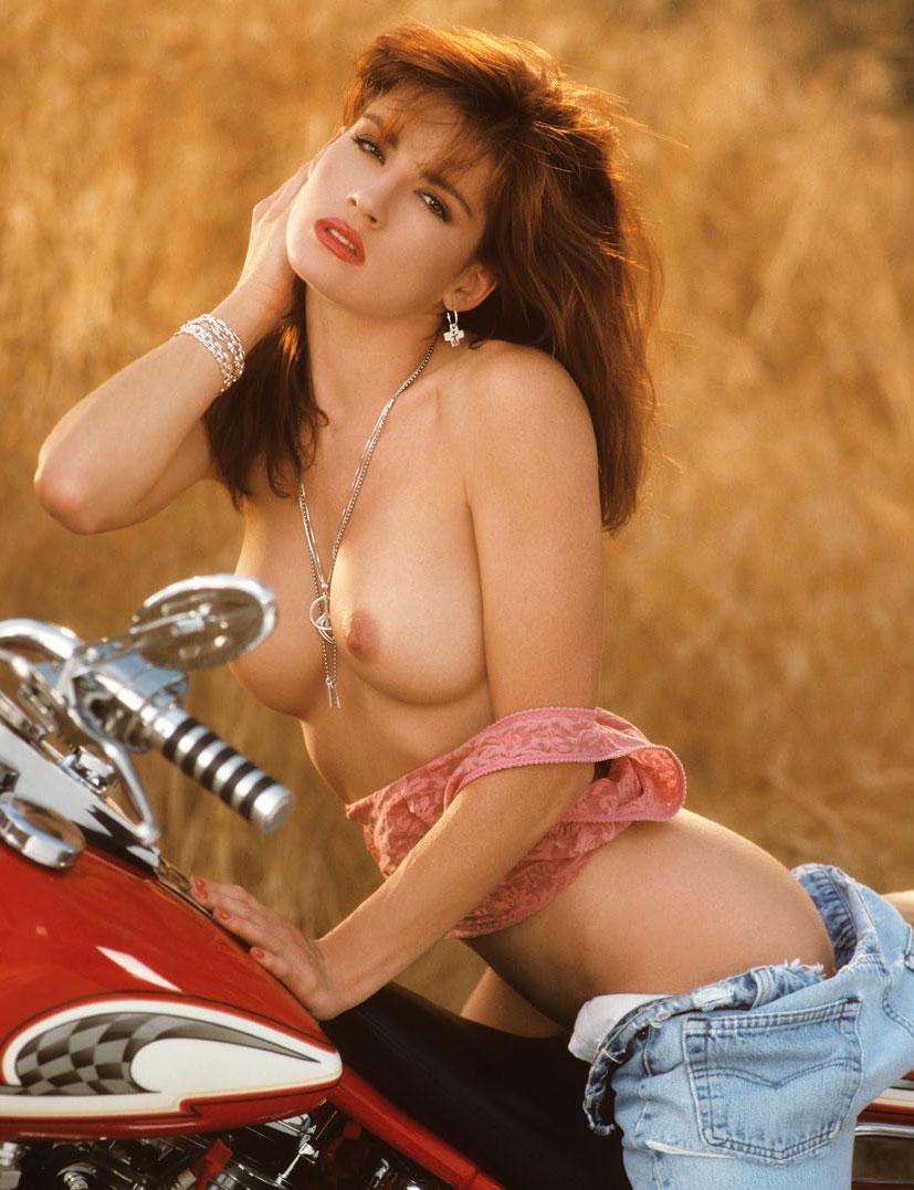 рыжие сексуальные красавицы в журнале Playboy - Tylyn John
