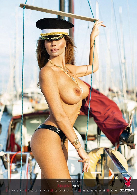 Эротический календарь журнала Playboy на 2021 год / август