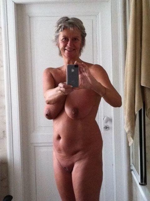 Beautiful naked women making love-1162