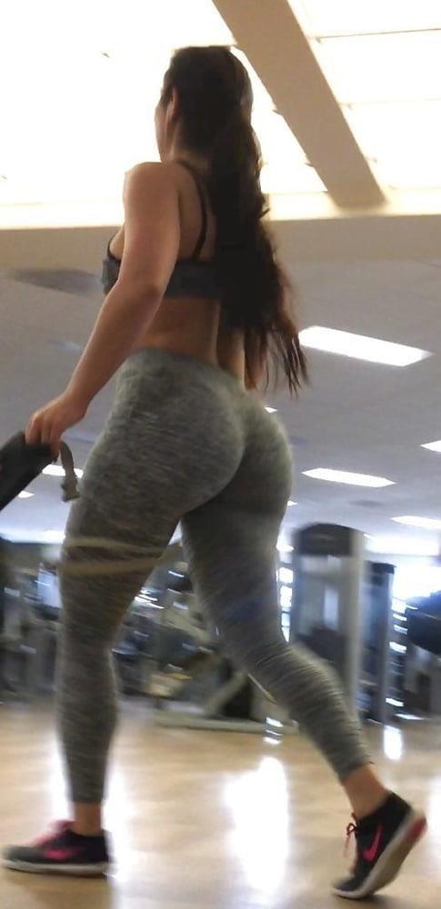 Public big booty-8956