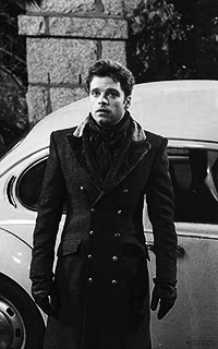 Sebastian Stan OUhIv3eO_o
