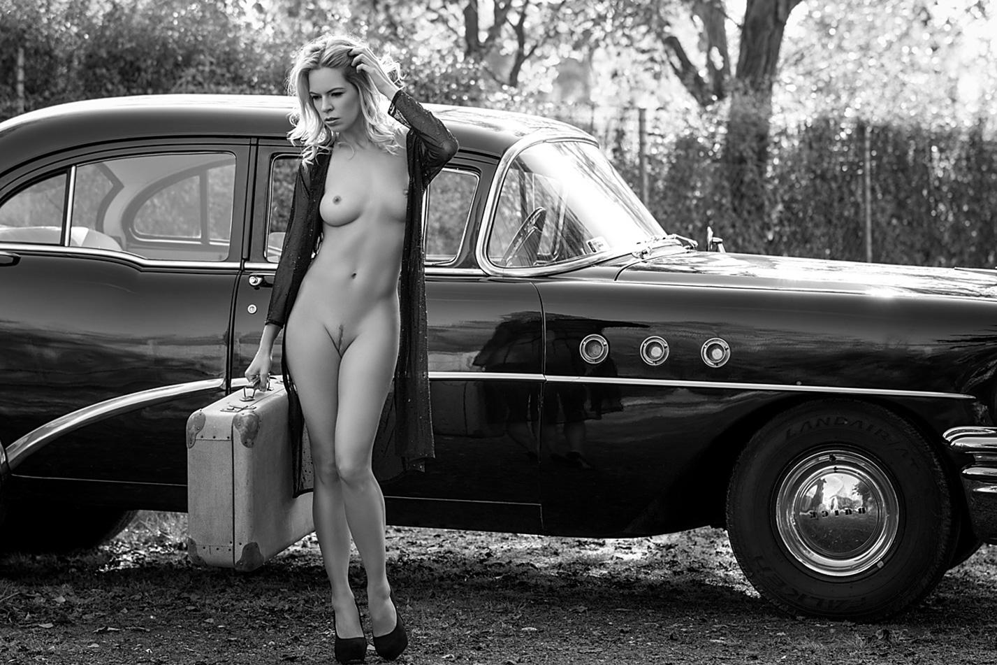 фрау Мюллер в винтажной машине Buick / Fanny Muller by Lajos Csaki