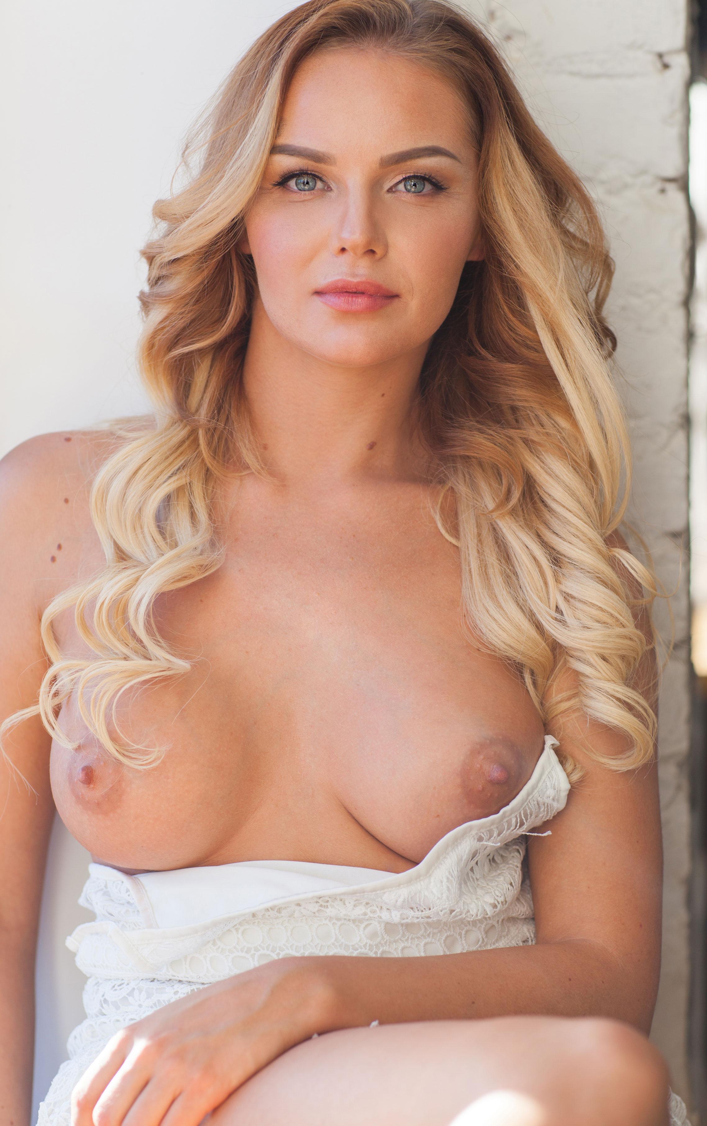 голая Ника Шукурова в Playboy / фото 07