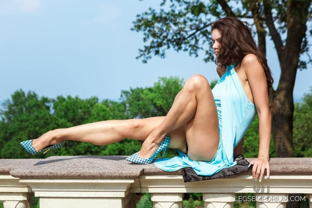Bodybuilder female clit-1583