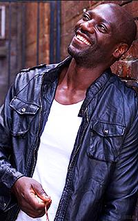 Adewale Akinnuoye-Agbaje XsmPG5p1_o