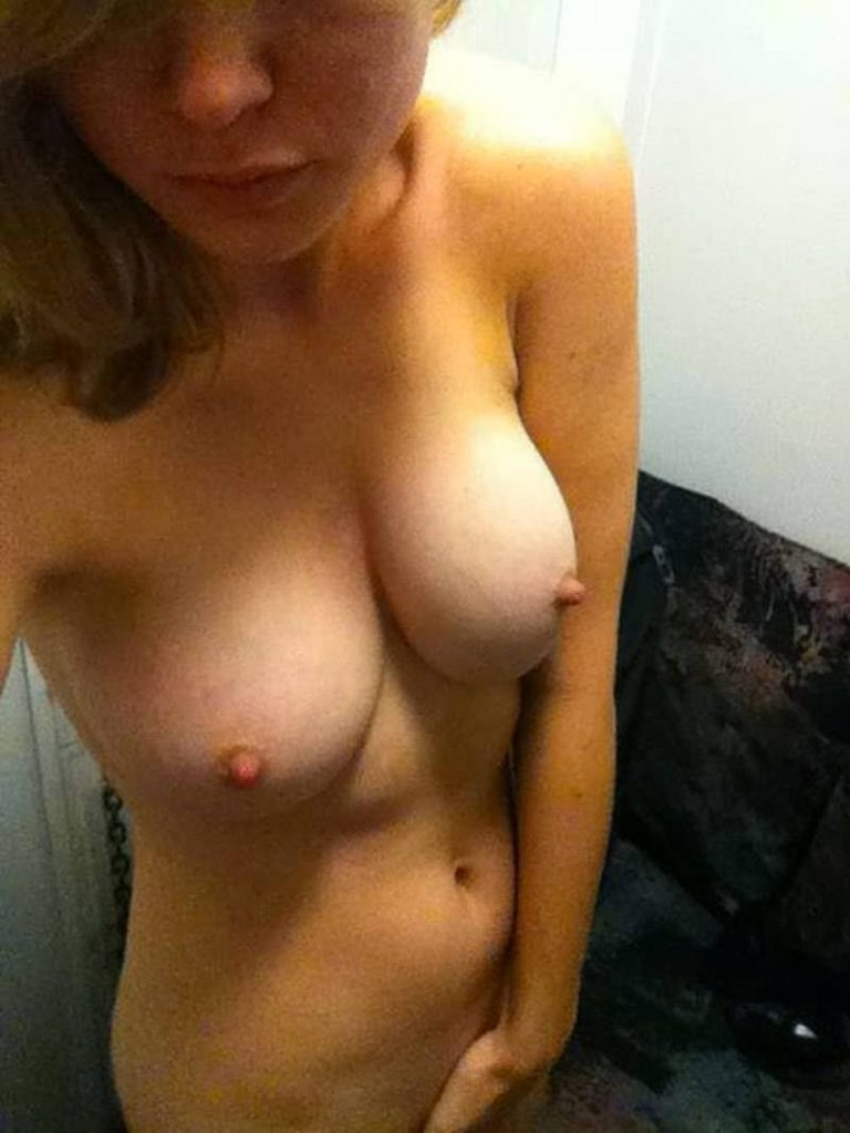Brie Larson Nude & Boobs Leaked Photos
