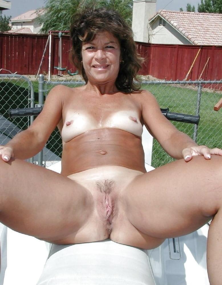 Beautiful naked women making love-4834