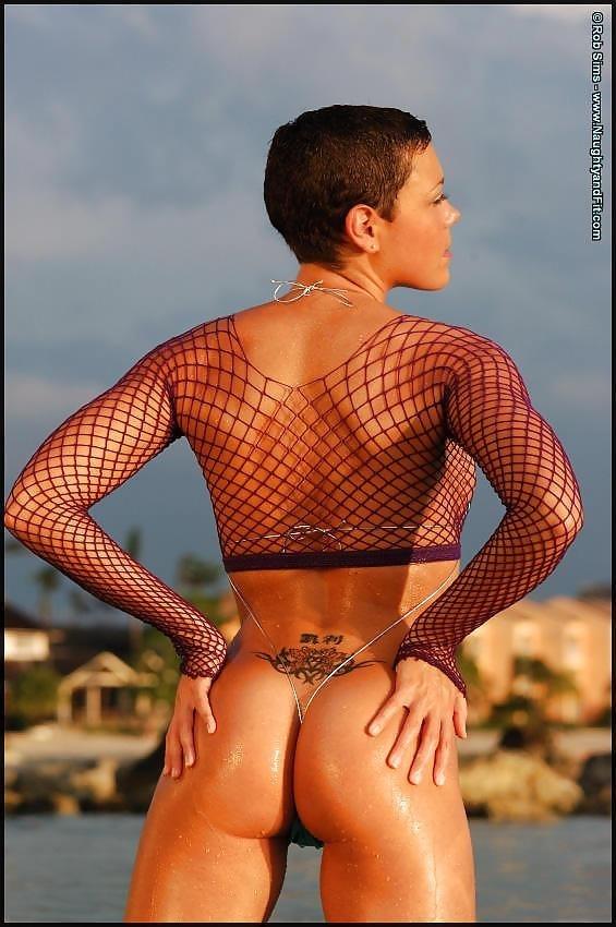 Beautiful fit naked women-4276