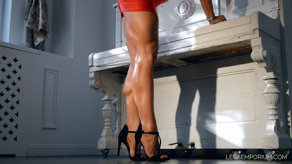Bodybuilder female clit-9074