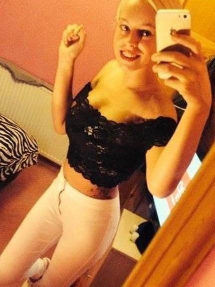 Sexy nude female selfies-4022