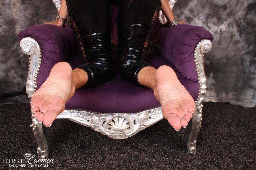 Arab foot mistress-6405