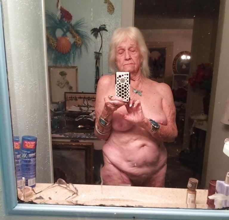 Pics naked grannies-5452