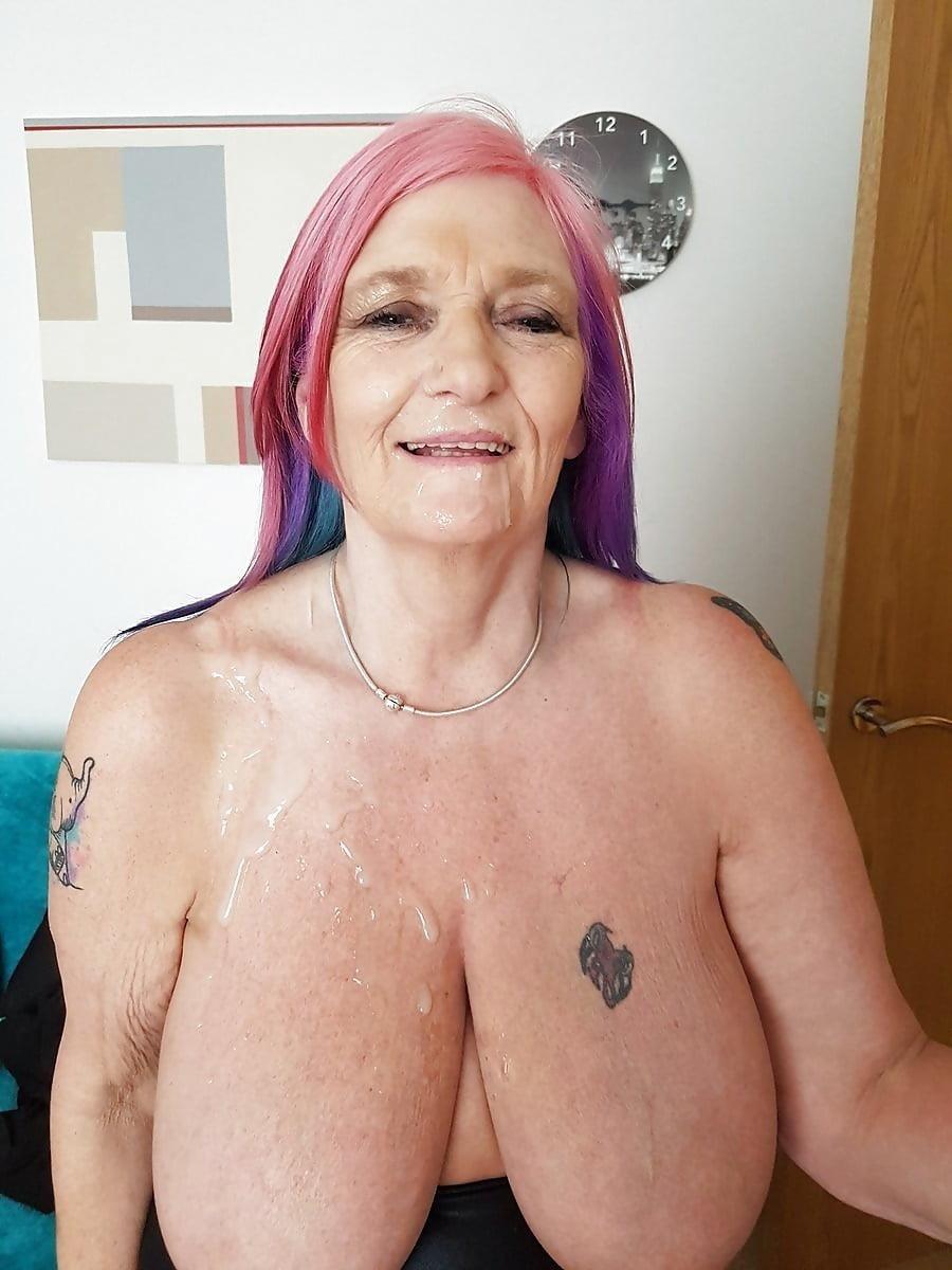 Sexy boobs feeding-7632